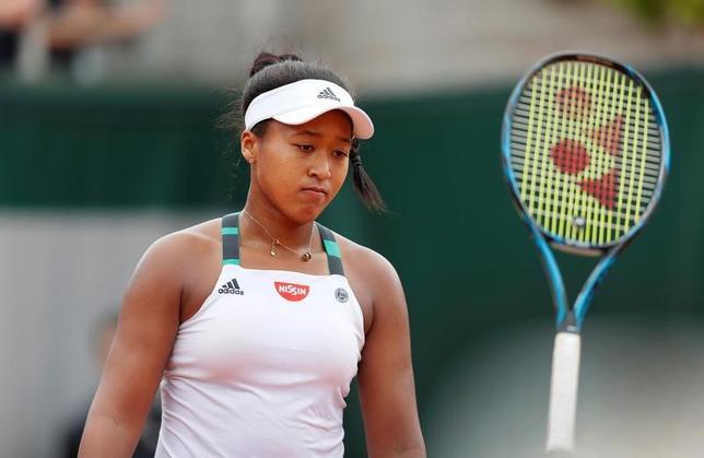 5月30日、テニスの四大大会第2戦、全仏オープンは、パリのローランギャロスで女子シングルス1回戦を行い、大坂なおみ(写真)はアリソン・バンアイトバンク(ベルギー)に3─6、5─7のストレート負けを喫した(2017年 ロイター/Gonzalo Fuentes)