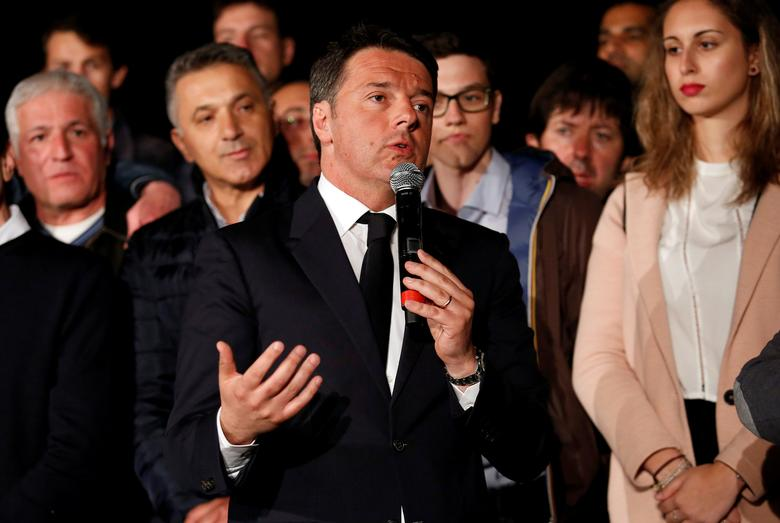 FILE PHOTO: Italy's former Prime Minister Matteo Renzi speaks at the Democratic Party (PD) headquarters in Rome, Italy, April 30, 2017.  REUTERS/Remo Casilli/File Photo