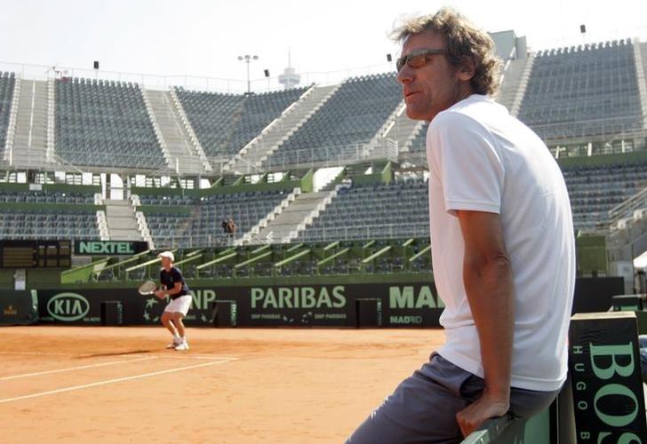 Mats Wilander  in Buenos Aires, April 10, 2008. REUTERS/Marcos Brindicci (ARGENTINA)