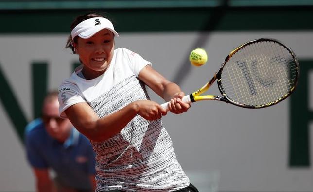 5月31日、テニスの四大大会第2戦、全仏オープン女子シングルス2回戦、奈良くるみ(写真)は第10シードのビーナス・ウィリアムズに3─6、1─6で敗れた(2017年 ロイター/Benoit Tessie)