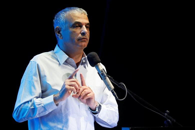 Israeli Finance Minister Moshe Kahlon gestures as he speaks at an event in Ofakim, southern Israel May 29, 2017. REUTERS/Amir Cohen