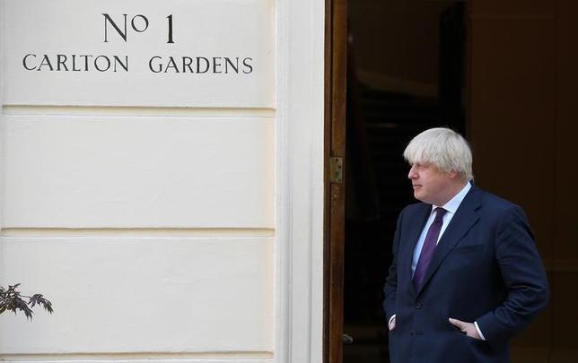 6月1日、英国のジョンソン外相(写真)は、気候変動問題への取り組みで米国が主導的な役割を果たすことを望む姿勢を示した。5月撮影(2017年 ロイター/Toby Melville)
