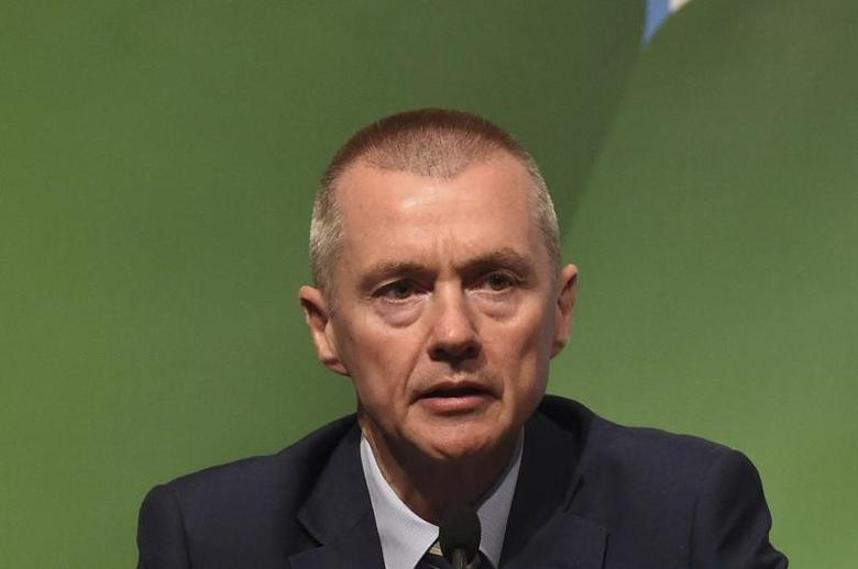 Willie Walsh, CEO of International Airlines Group speaks during the closing press briefing at the 2016 International Air Transport Association (IATA) Annual General Meeting (AGM) and World Air Transport Summit in Dublin, Ireland June 3, 2016. REUTERS/Clodagh Kilcoyne