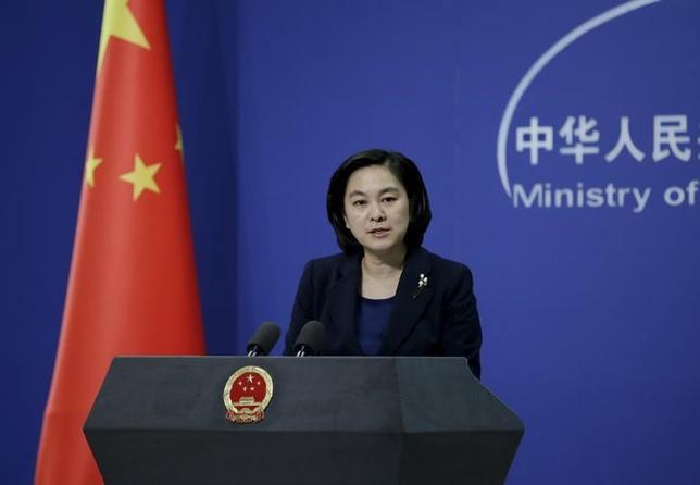 6月1日、中国外務省の華春瑩報道官(写真)は、地球温暖化対策の国際枠組み「パリ協定」について、容易に合意に達したものではなく、国際社会の幅広いコンセンサスを示したものだとし、中国として順守すると述べた。2016年1月撮影(2017年 ロイター/Jason Lee )