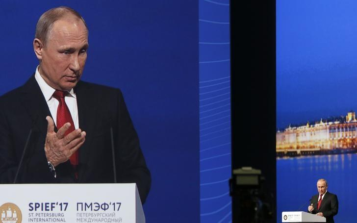 Russian President Vladimir Putin delivers a speech during a session of the St. Petersburg International Economic Forum (SPIEF), Russia, June 2, 2017. REUTERS/Grigory Dukor