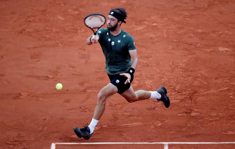Tennis - French Open - Roland Garros, Paris, France - June 2, 2017 Georgia's Nikoloz Basilashvili in action during his third round match against Spain's Rafael Nadal Reuters / Christian Hartmann