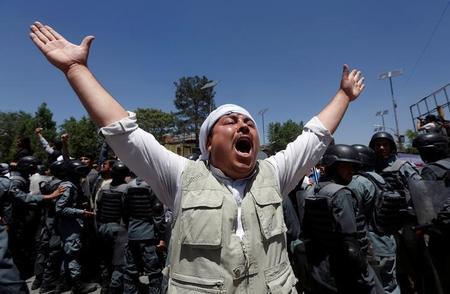 مقتل أربعة محتجين في اشتباك مع الشرطة الأفغانية