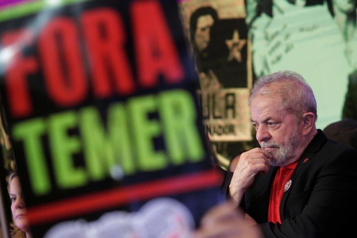 Former Brazilian President Luiz Inacio Lula da Silva, gestures during opening ceremony of the national congress of the Workers' Party in Brasilia, Brazil, June 1, 2017. REUTERS/Ueslei Marcelino