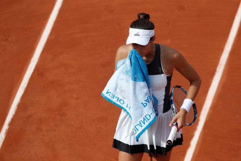 Tennis - French Open - Roland Garros, Paris, France - June 4, 2017 Spain's Garbine Muguruza reacts during her fourth round match against France's Kristina Mladenovic Reuters / Christian Hartmann