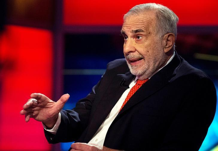FILE PHOTO -- Billionaire activist-investor Carl Icahn gives an interview on FOX Business Network's Neil Cavuto show in New York, U.S. on February 11, 2014. REUTERS/Brendan McDermid/File Photo