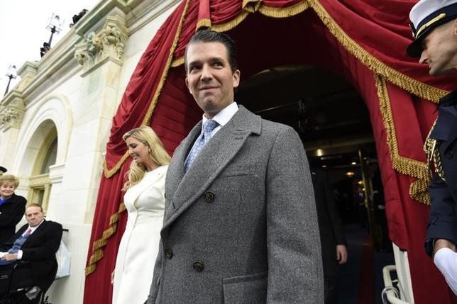 6月8日、トランプ米大統領に解任されたコミー前連邦捜査局(FBI)長官の米議会での証言が行われ、ソーシャルメディアは嵐のような投稿で溢れたが、肝心のトランプ米大統領のアカウントは休眠状態。代わりにツイッターを放ったのは長男のドナルド・トランプ・ジュニア氏(写真)だった。写真は1月撮影。代表撮影(2017年 ロイター/Saul Loeb)