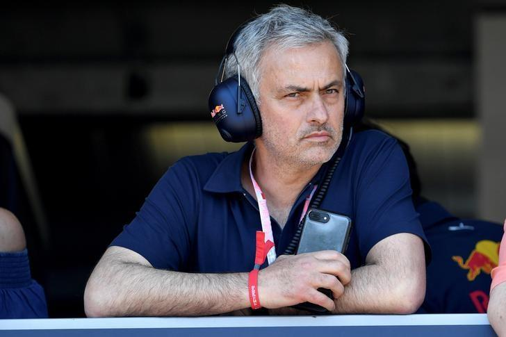 Formula One - F1 - Monaco Grand Prix - Monaco - 27/05/2017 - Manchester United's coach Jose Mourinho in the pit during qualifying session. REUTERS/Andrej Isakovic/Pool