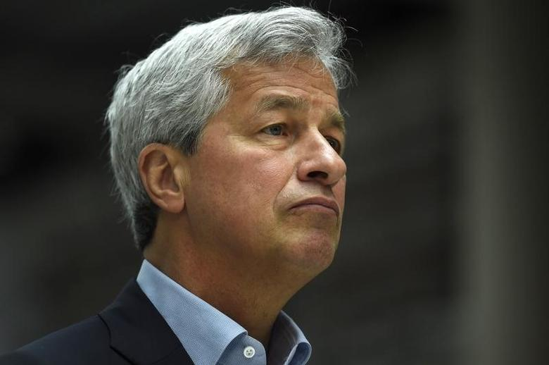 JP Morgan CEO Jamie Dimon speaks at a Remain in the EU campaign event attended by Britain's Chancellor of the Exchequer George Osborne (not shown) at JP Morgan's corporate centre in Bournemouth, southern Britain, June 3, 2016. REUTERS/Dylan Martinez  - RTX2FHIE