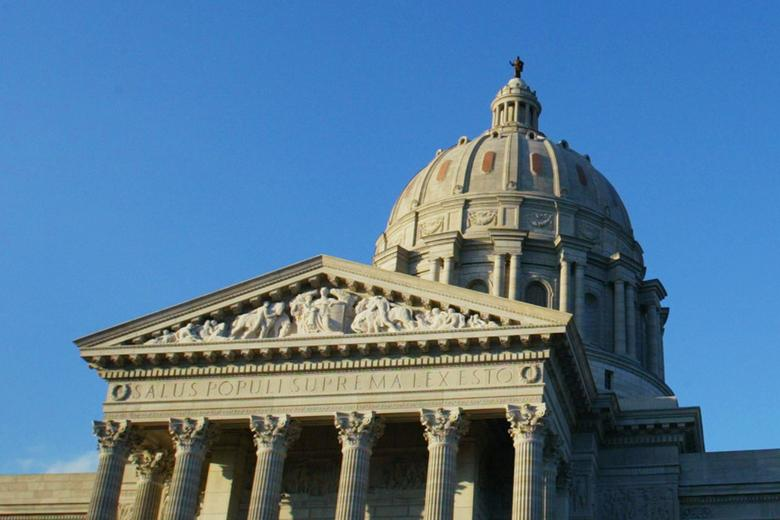 FILE PHOTO - The Missouri State House is pictured in Jefferson City, Missouri, U.S. on August 5, 2004.  REUTERS/Mike Segar/File Photo