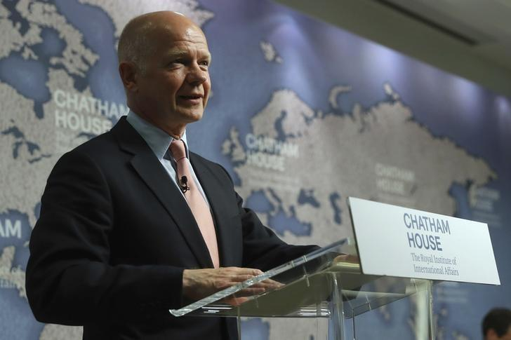 Britain's former Secretary of State for Foreign Affairs William Hague makes a speech supporting remaining in the EU, at Chatham House in London, Britain, June 8, 2016. REUTERS/Dan Kitwood/Pool/Files
