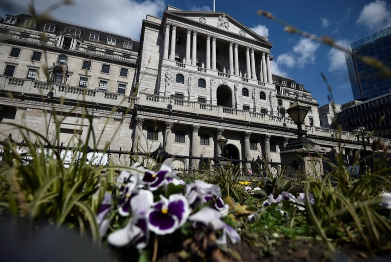 FILE PHOTO: A general view shows the Bank of England in the City of London, Britain April 19, 2017. REUTERS/Hannah McKay/File Photo