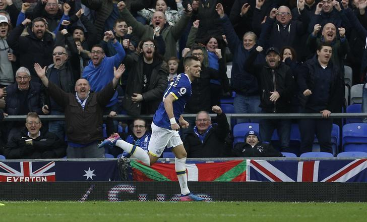 Britain Football Soccer - Everton v West Bromwich Albion - Premier League - Goodison Park - 11/3/17 Everton's Morgan Schneiderlin celebrates scoring their second goal Action Images via Reuters / Craig Brough/ Livepic/ Files