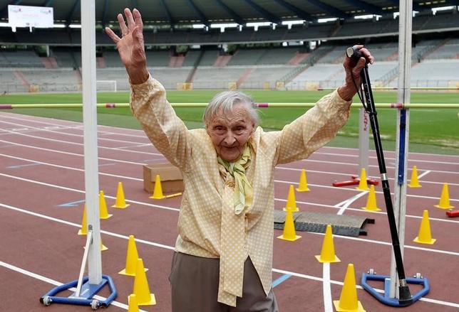 6月13日、ベルギーの首都ブリュッセルで、「高齢者オリンピック」が初めて開催され、75歳から96歳までのお年寄りが参加した。毛糸玉投げ、パンケーキ投げ、音楽クイズ、車いすリレーなどさまざまな競技が行われた(2017年 ロイター/Francois Lenoir )