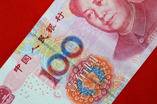 6月14日、中国人民銀行(中央銀行)が発表した5月の新規人民元建て融資は1兆1100億元(1634億ドル)となり、予想(9000億元)を上回った。5月撮影(2017年 ロイター/Thomas White/Illustration)