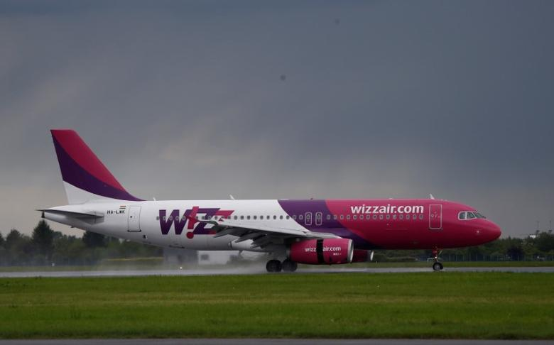 A Wizz Air Airbus 320 aircraft lands at the Chopin International Airport in Warsaw, Poland May 17, 2016. REUTERS/Kacper Pempel