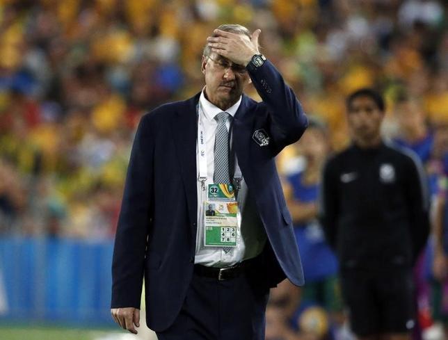 6月14日、サッカーの韓国代表ウリ・シュティーリケ監督は、2018年W杯ロシア大会アジア最終予選A組、13日のカタール戦に2─3で敗れたことについて自身の責任を認めた。シドニーで2015年1月撮影(2017年 ロイター/JasonReed)