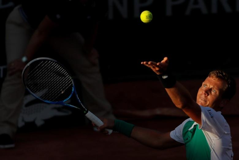 FILE PHOTO: Tennis - French Open - Roland Garros, Paris, France - 30/5/17 Czech Republic's Tomas Berdych in action during his first round match against Germany's Jan-Lennard Struff Reuters / Gonzalo Fuentes