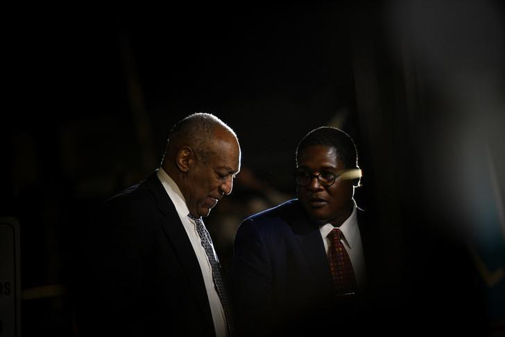 Actor and comedian Bill Cosby leaves court after deliberations in his sexual assault trial at the Montgomery County Courthouse in Norristown, Pennsylvania, U.S., June 16, 2017.  REUTERS/Charles Mostoller