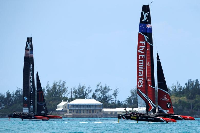 Sailing - America's Cup Finals -Hamilton, Bermuda - June 17, 2017 - Emirates Team New Zealand  leads Oracle Team USA in race one in America's Cup Finals.  REUTERS/Mike Segar