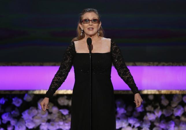 昨年12月に60歳で死去した米女優キャリー・フィッシャーさんについて、ロサンゼルス郡の検視当局は、睡眠時無呼吸やその他の要因が死因になったとの声明を発表した。写真は2015年1月撮影(2017年 ロイター/Mario Anzuoni)