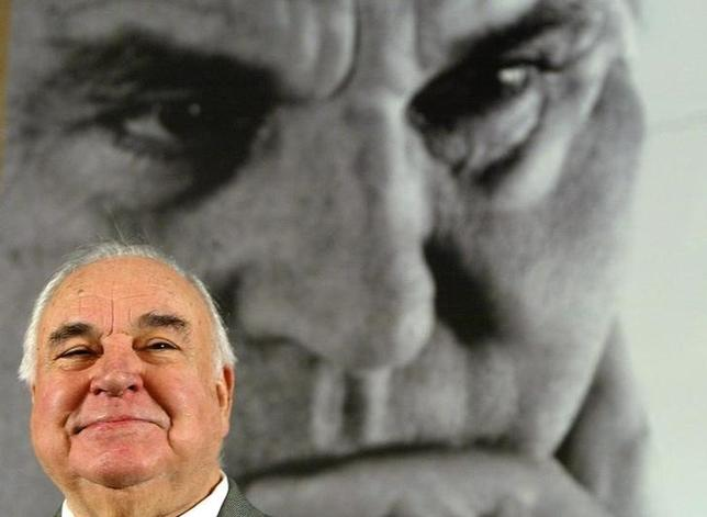 6月16日、87歳で死去したドイツのコール元首相(写真)は、戦後の傑出した欧州指導者の1人だった。ベルリンで2005年11月撮影(2017年 ロイター/Tobias Schwarz)