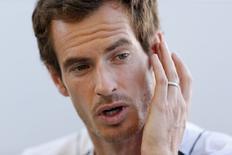 لاعب التنس المصنف الأول على العالم أندي موراي في لندن يوم 14 يونيو حزيران 2017. تصوير: ماثيو تشايلدز - رويترز.