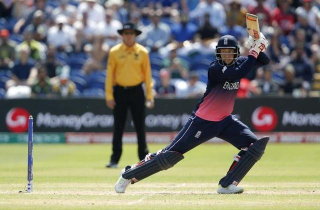 Britain Cricket - England v Pakistan - 2017 ICC Champions Trophy Semi Final - Sophia Gardens - June 14, 2017 England's Joe Root in action Action Images via Reuters / Andrew Couldridge Livepic