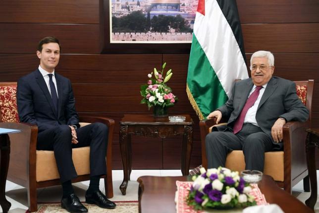 6月21日、トランプ米大統領の娘婿であるジャレッド・クシュナー大統領上級顧問は、イスラエルおよびパレスチナの首脳と会談した。クシュナー氏は21日午前にイスラエルに到着し、滞在時間はわずか20時間を予定。写真はウェストバンクで撮影。提供写真(2017年 ロイター)