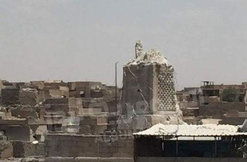 Mosul's famous mosque destroyed