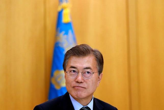 6月22日、韓国の文在寅(ムン・ジェイン)大統領(写真)は、中国は北朝鮮の核開発抑制に向けさらなる行動の余地があるとの認識を示した。(2017年 ロイター/Kim Hong-Ji)