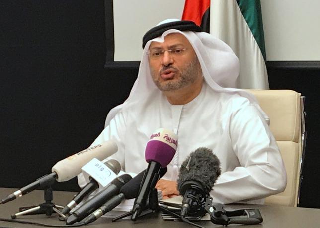 6月24日、カタールと断交したアラブ首長国連邦(UAE)の政府高官は、UAEやサウジアラビアなどアラブ4カ国が提示した要望書をカタールが受け入れなければ、この問題が「岐路」を迎えると語った。写真は、UAEのガルガシュ外務担当国務相。ドバイで撮影(2017年 ロイター/Abdel Hadi Ramahi)