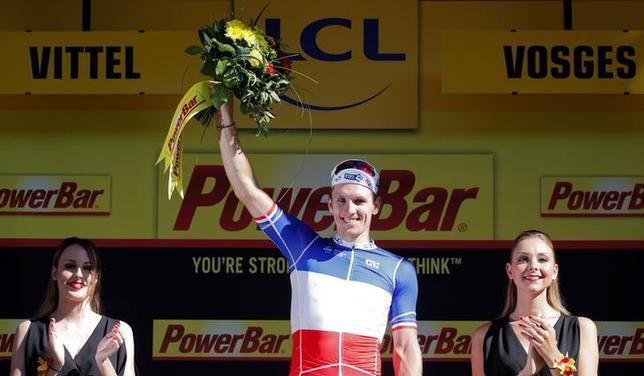 7月4日、自転車ロードレースの最高峰、ツール・ド・フランスは、ルクセンブルクのモンドルフ・レ・バンからフランスのビッテルまでの第4ステージ(207.5キロ)を行い、アルノ・デマル(フランス)が4時間53分54秒でステージ制覇した(2017年 ロイター/Christian Hartmann)