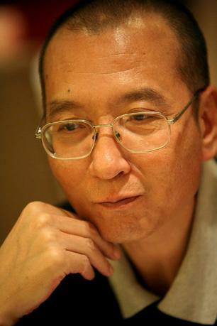 7月10日、中国のノーベル平和賞受賞者の劉暁波氏の治療にあたっている瀋陽市の病院は同氏の病状が深刻であることを明らかにした。提供写真(2017年 ロイター)