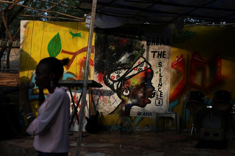 Tired of war, South Sudanese youth turn to art to push for