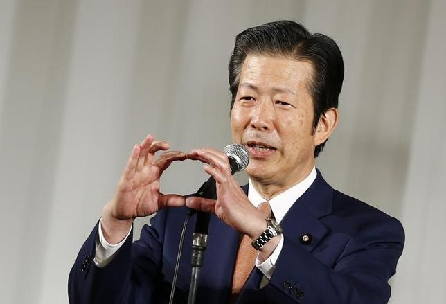 7月14日、公明党の山口那津男代表は、ロイターのインタビューで、2日の東京都議会選挙で自民党が大敗したことを受け、連立政権のパートナーとして「安倍政権は説明責任を尽くし、信頼回復に努めて欲しい」と述べた。写真は2014年11月都内で撮影(2017年 ロイター/Thomas Peter)