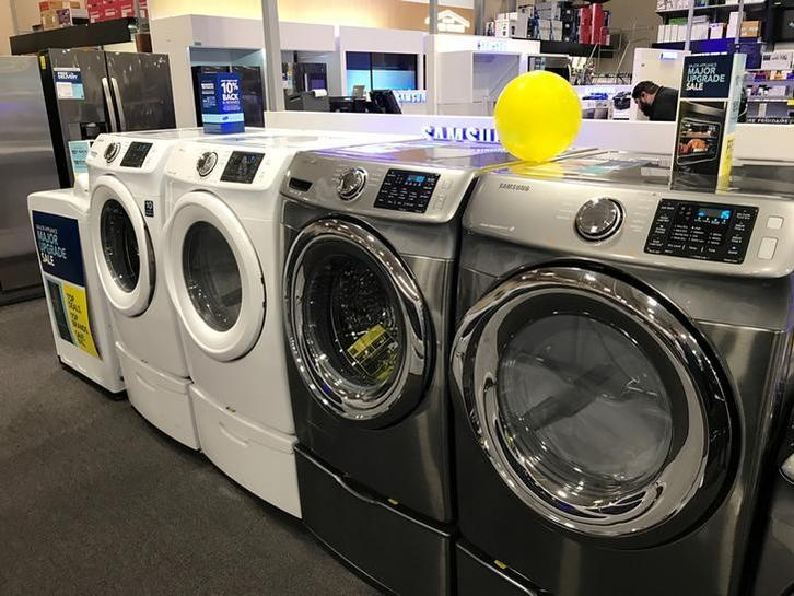 US durable goods, trade data point to pick-up in second-quarter growth