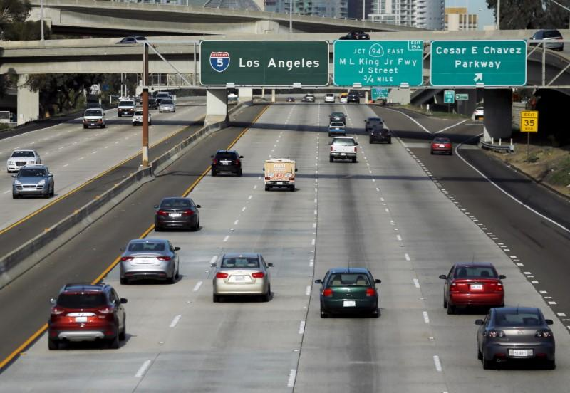 California reviews gasoline vehicles for pollution: official