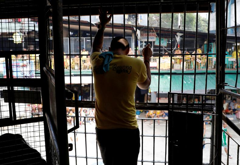 Jails, justice system at breaking point as Philippine drugs war intensifies