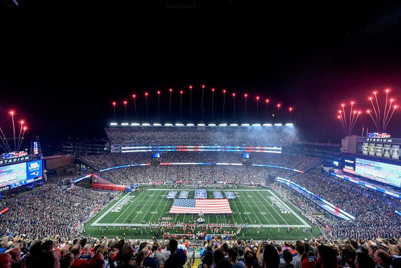 NFL signs deal to put game highlights on Facebook  169b1477f