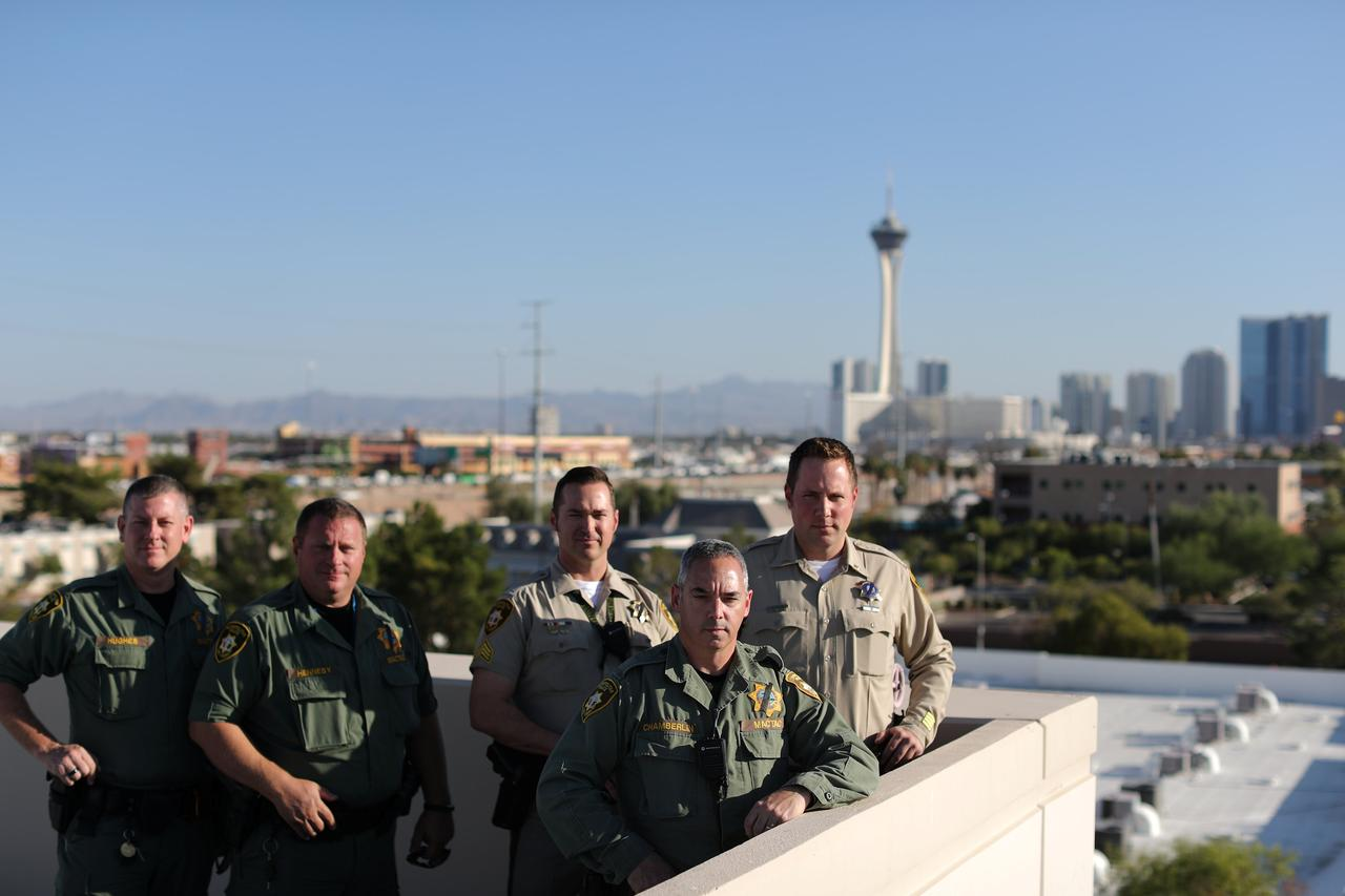 Vụ thảm sát Las Vegas: Nghi phạm qua mặt đội chống khủng bố như thế nào? - Ảnh 1.