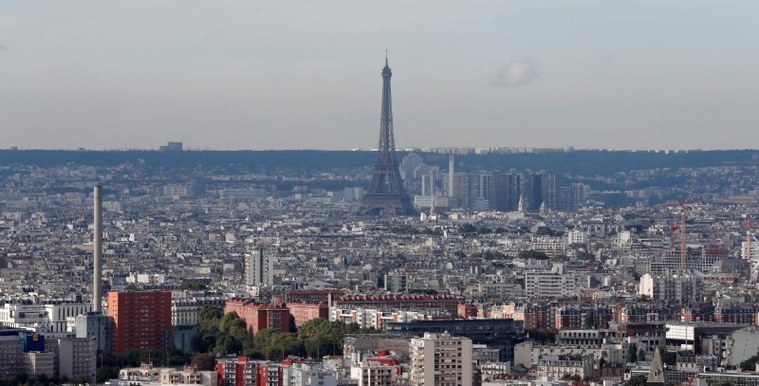 Paris plans to banish all but electric cars by 2030