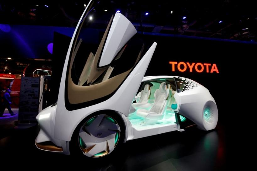 toyota to test self driving talking cars by about 2020 reuters. Black Bedroom Furniture Sets. Home Design Ideas