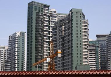 焦点:调控周年中国楼市持续降温 政策力度不松长效机制更明