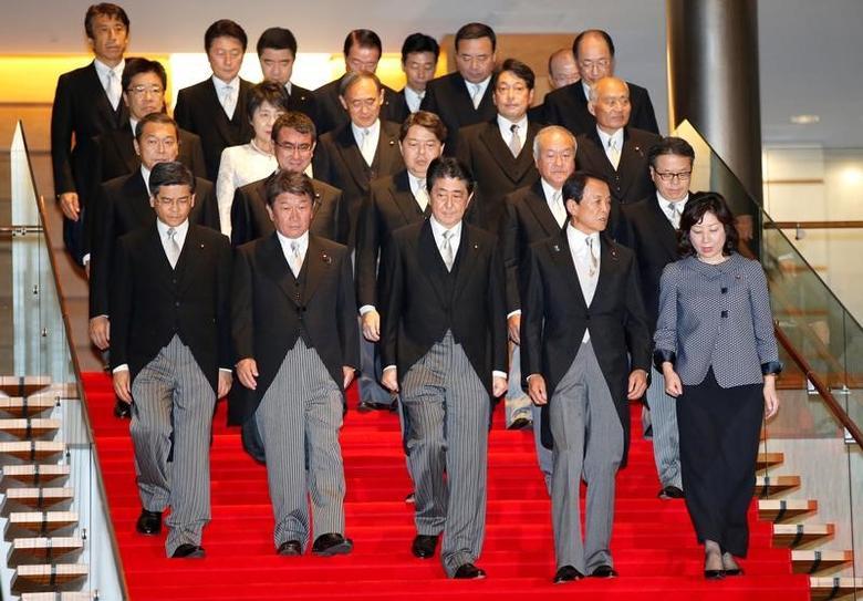 第4次安倍内閣、きょう発足へ 全閣僚を再任の意向 | jp.reuters.com