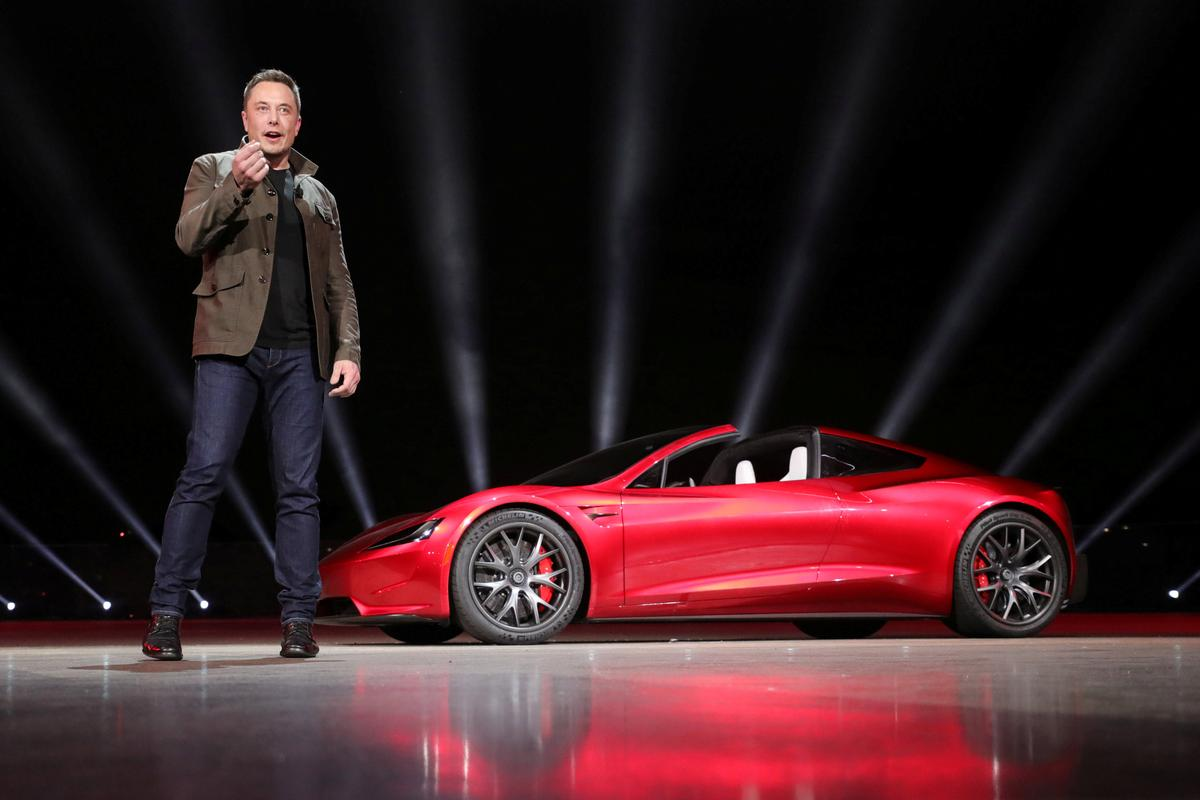 New 200 000 Tesla Roadster Sds In Front Of Electric Rig Truck Reuters